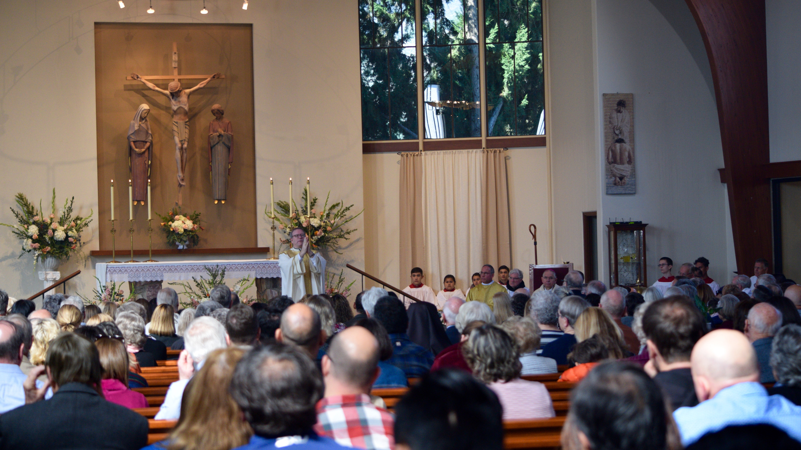 The people gathered for Mass