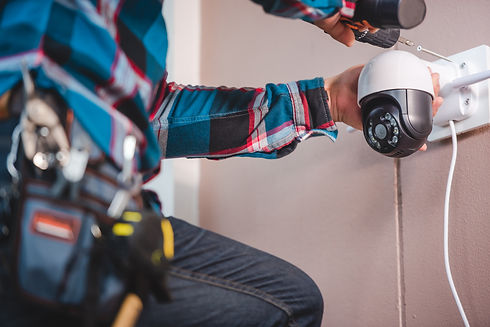cctv-installation-with-young-asian-techn