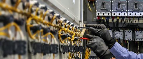electrical-engineer-using-measuring-equi