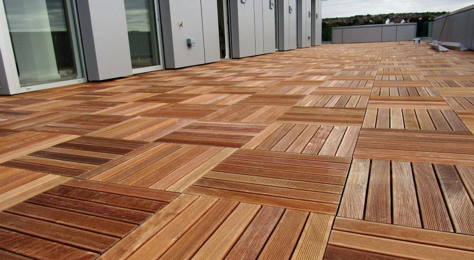 LifeNcolors-wooden-deckwood-dark-light-shine