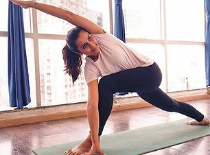 zoom-online-live-yoga-sessions-elate-wel