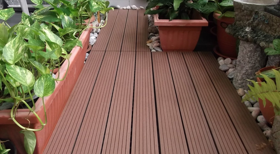 LifeNcolors-wooden-pergolas-deckwood-dark-lines