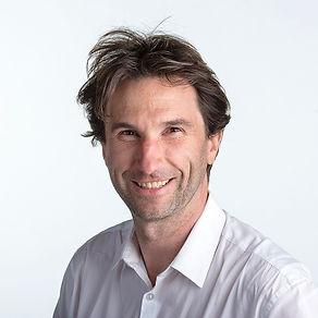 Hendrik headshot .jpg