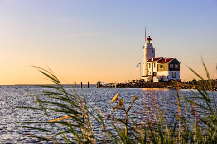Holland_Kueste_Leuchtturm