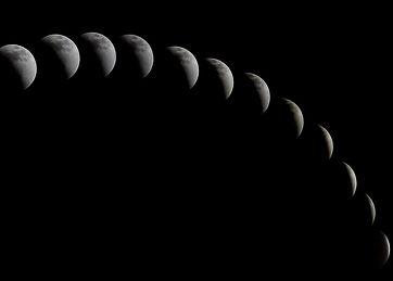 a-total-solar-eclipse-1113799_1920_edite