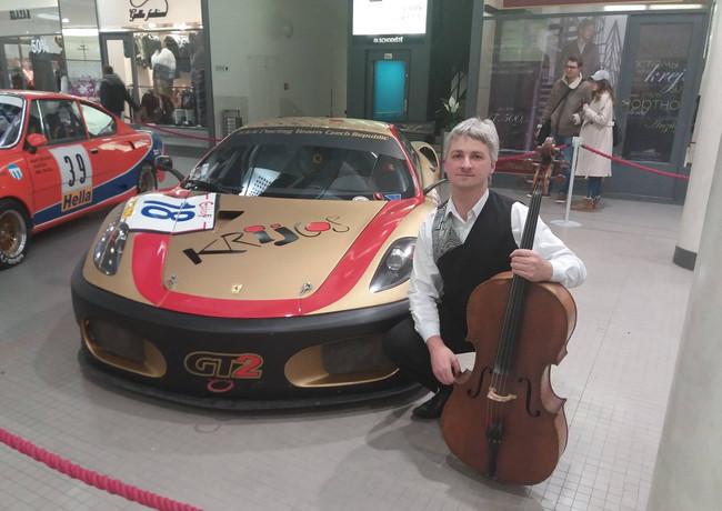 Výstava závodních aut