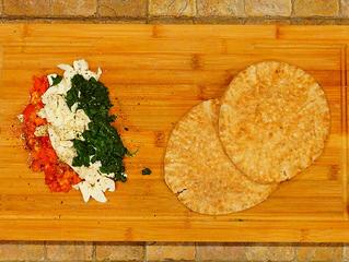 Tomato-(Spinach)-Mozzarella Pita Sandwich
