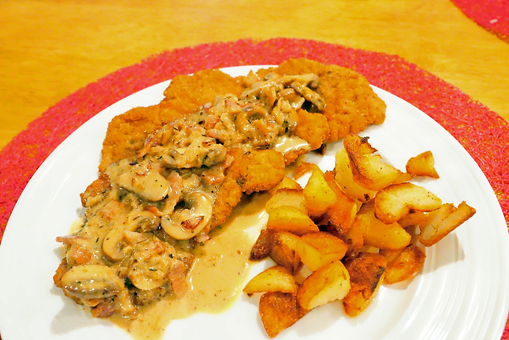 Jägerschnitzel - Mostly Beige - Recipes for difficult eaters