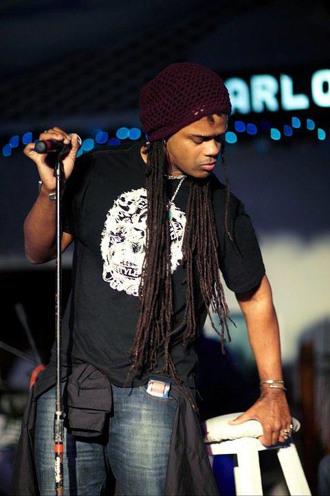 'The Smokin' Jacket', Carlos Cafe, Kingston, Jamaica (03.01.11) (4)