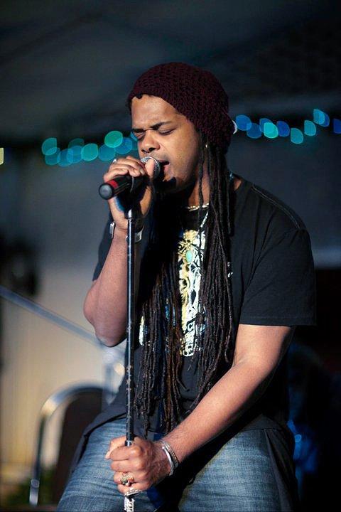 'The Smokin' Jacket', Carlos Cafe, Kingston, Jamaica (03.01.11) (5)