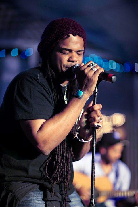 'The Smokin' Jacket', Carlos Cafe, Kingston, Jamaica (03.01.11) (2)
