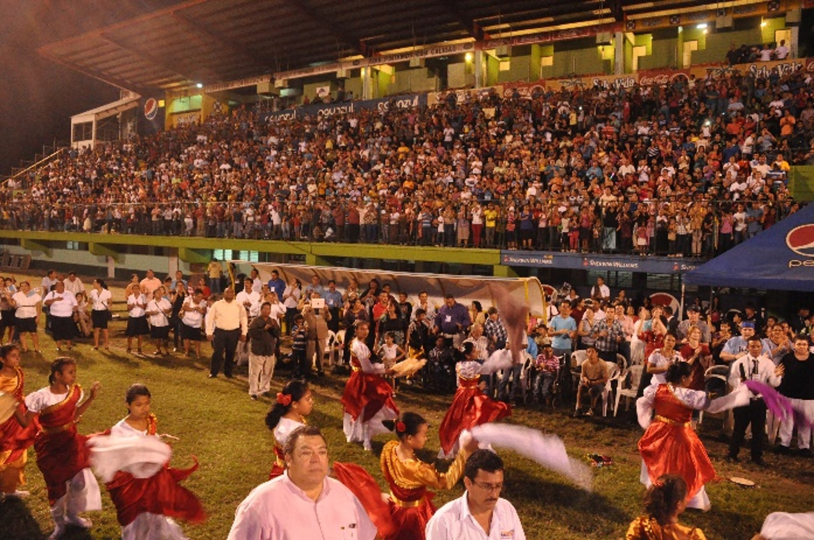 Puerto Cortes stadium and all the people who came to the crusade on the first day