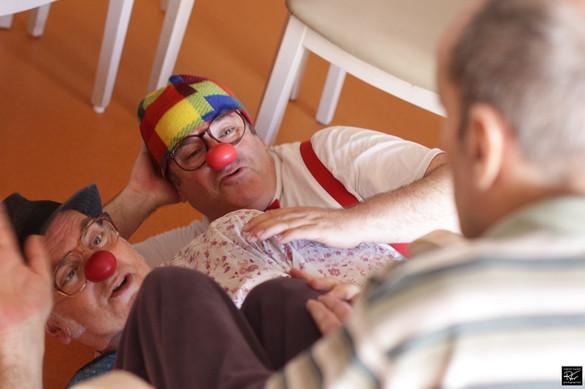Clowns hospitaliers (Des boules au nez)