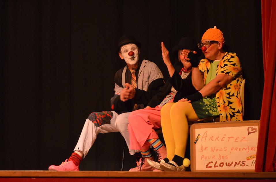 Petit Journal d'actualité vue par les clowns