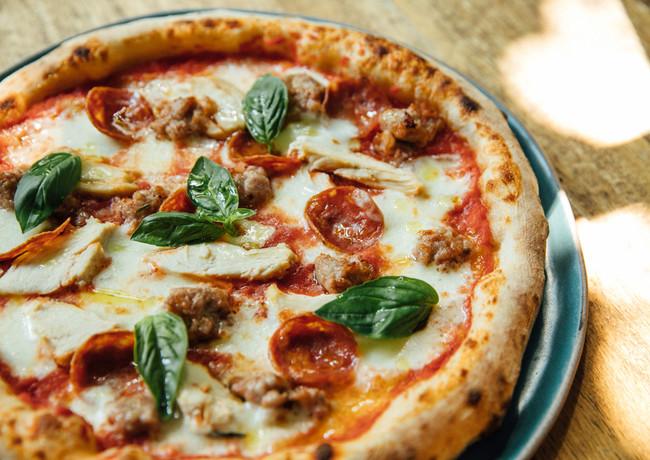 Pizza_Fancy_Meat_Lovers_IMG_9004.jpg