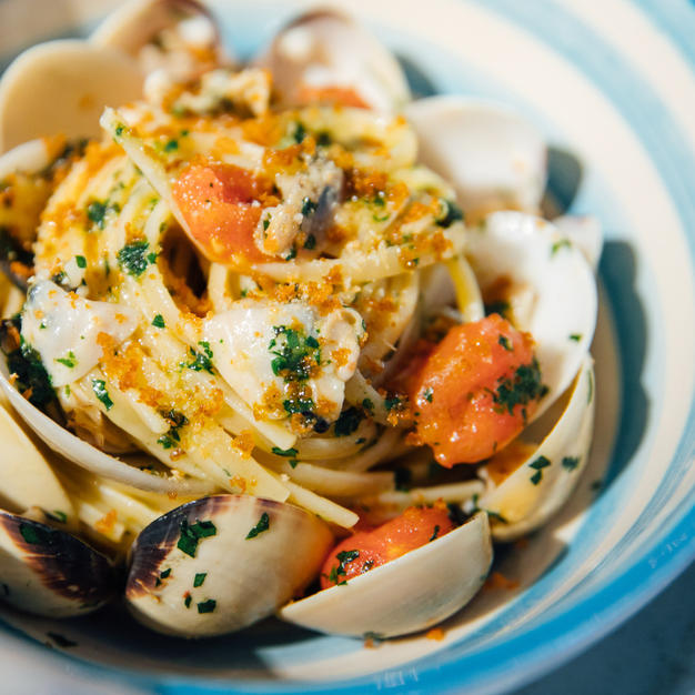 Linguine clams & bottarga