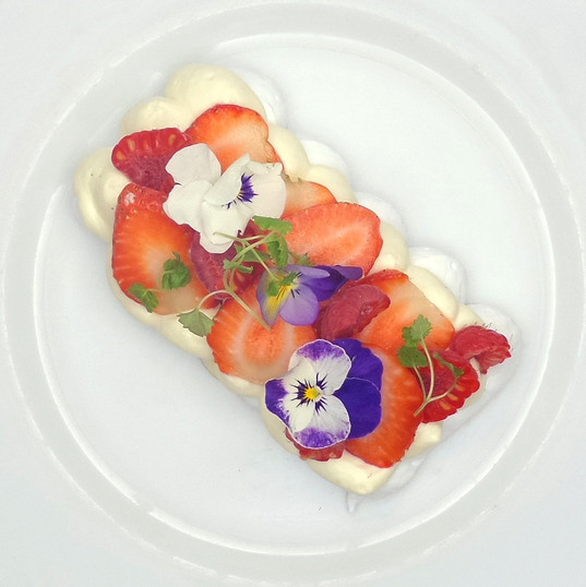 Strawberry, raspberry, Chantilly cream & meringue