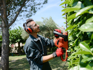A COVID-19 Safety Guide for Landscapers