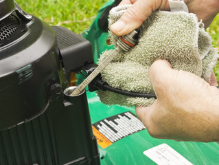 Mower Maintenance 101: Using the Right Oil