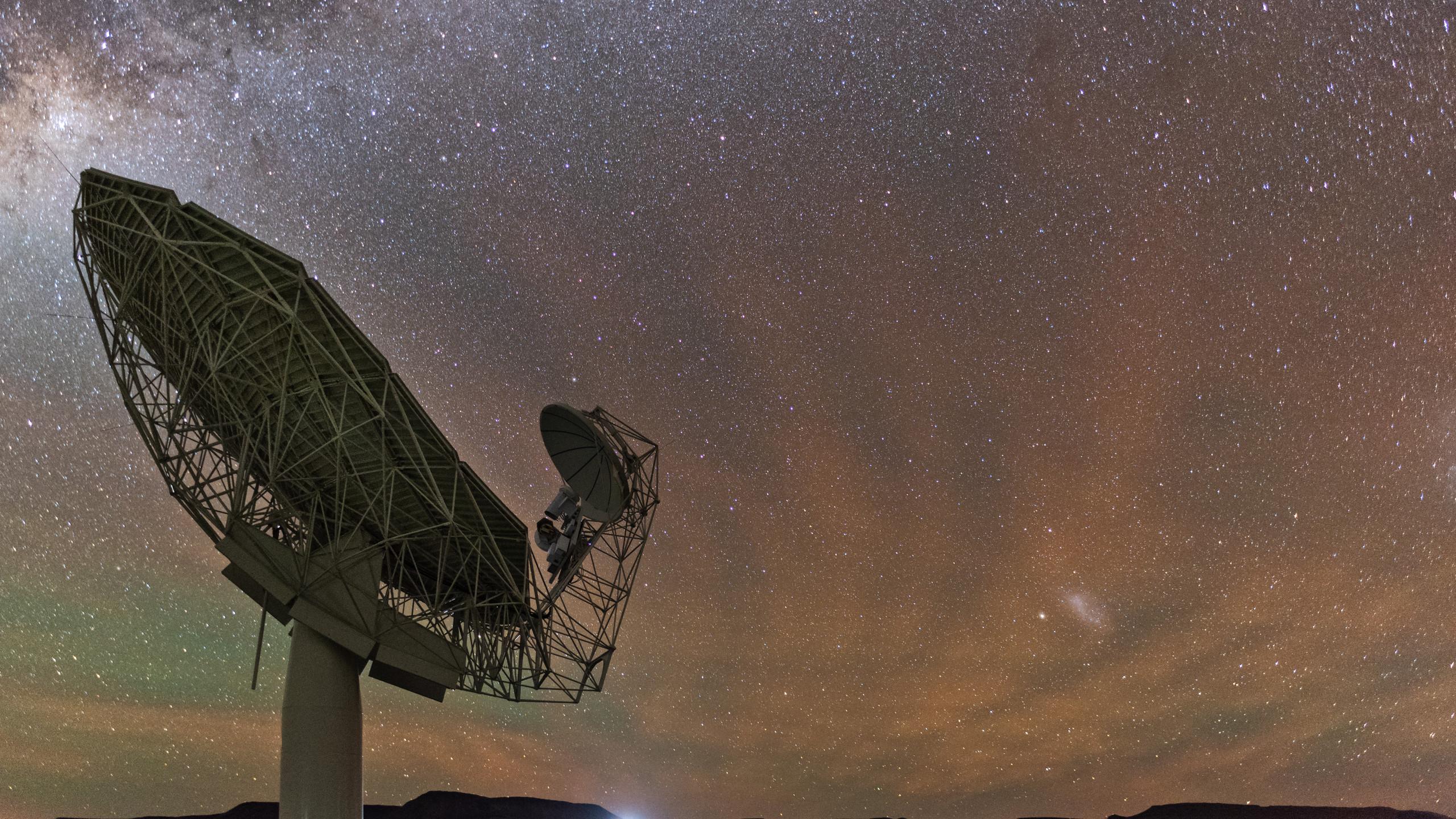 SKA radio telescope air glow