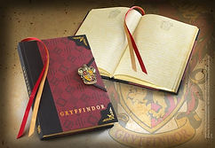 Noble Collection Gryffindor Journal-min.