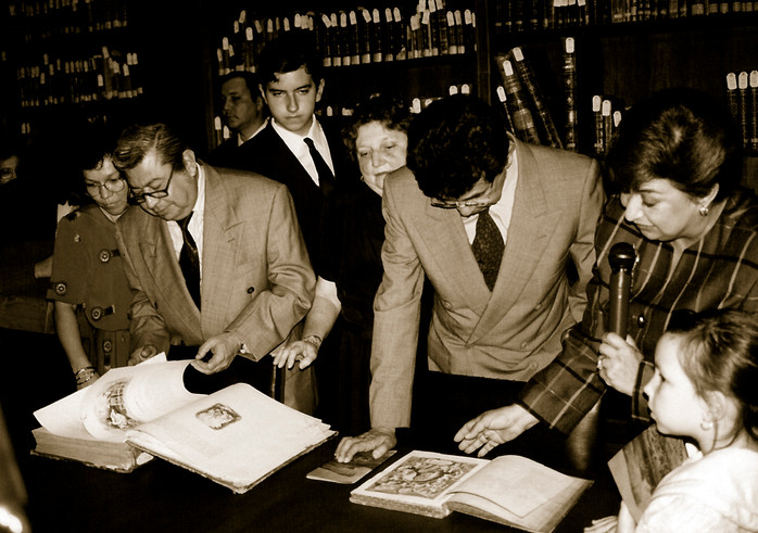 Roberto Bravo, secretario de Educación, Patricio Chirinos gobernador de Ver. y Rosario Piña Directora General de Educación Media en 1993.