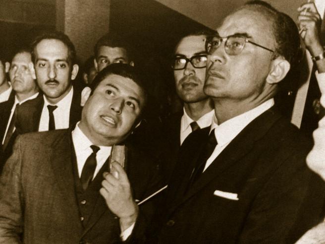 (izquierda-derecha) Emilio Gidi, Roberto Bravo, rector, y Luis Echeverría, presidente de la República. 1973