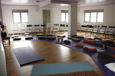 Sala_Yoga_Om_para_meditación_.JPG