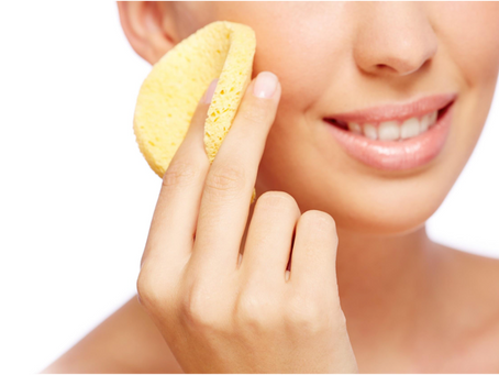 Da limpeza à maquiagem: saiba qual é a ordem certa de cuidados com a pele