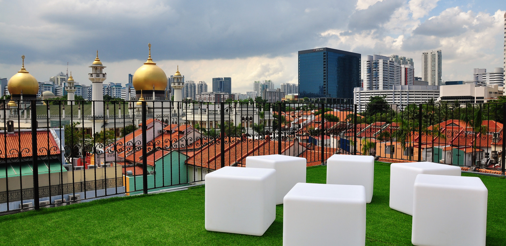 Roof Terrace overlooking the majestic Ma