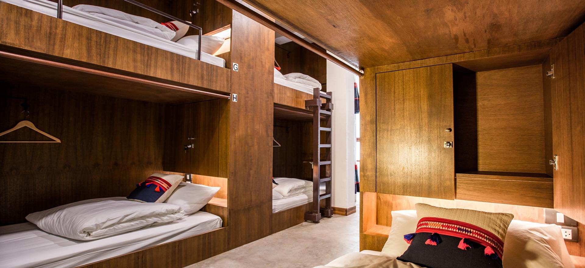 12 Beds Mixed Dorm
