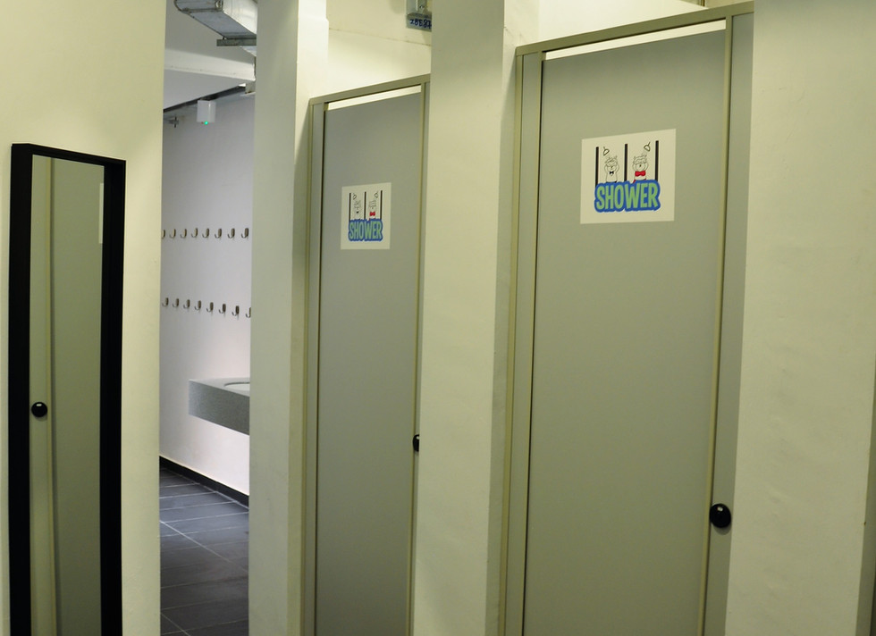Bathroom L2.jpg