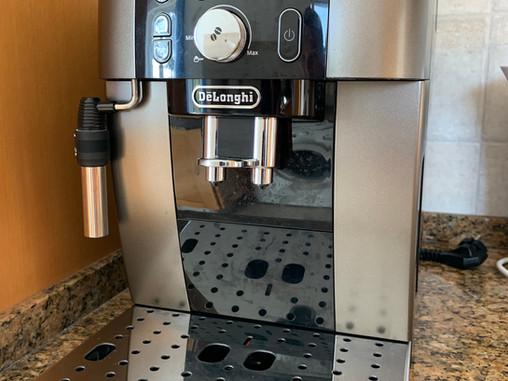 A DeLonghi espresso machine provides you with espresso, coffee, cappuccino to your liking at Casa da Vida II.