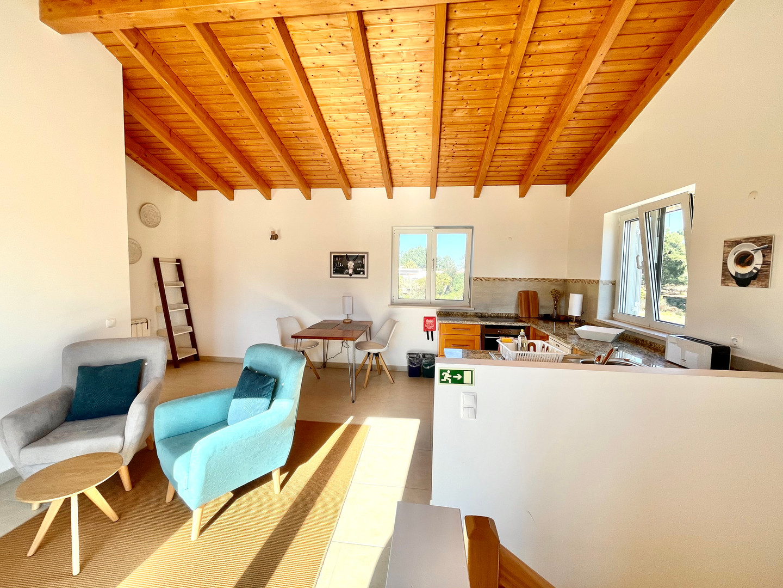 Casa da Vida II | Vacation Rental Villa | Upstairs Studio Unit with Kitchenette
