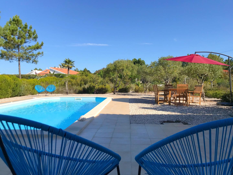 Casa da Vida II | Pool & Yard Area