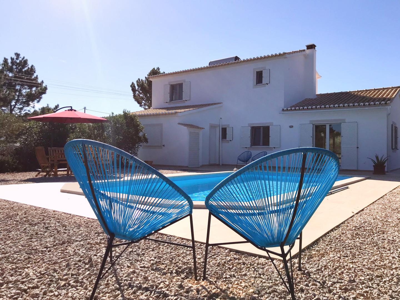 Casa da Vida II | Pool Area & Yard