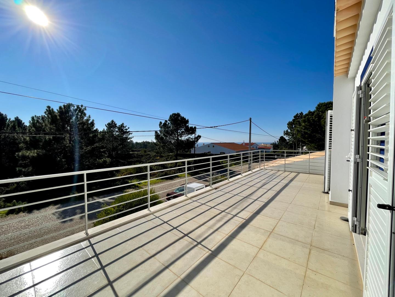 Casa da Vida II | Vacation Rental Villa | Upstairs SW-facing Terrace