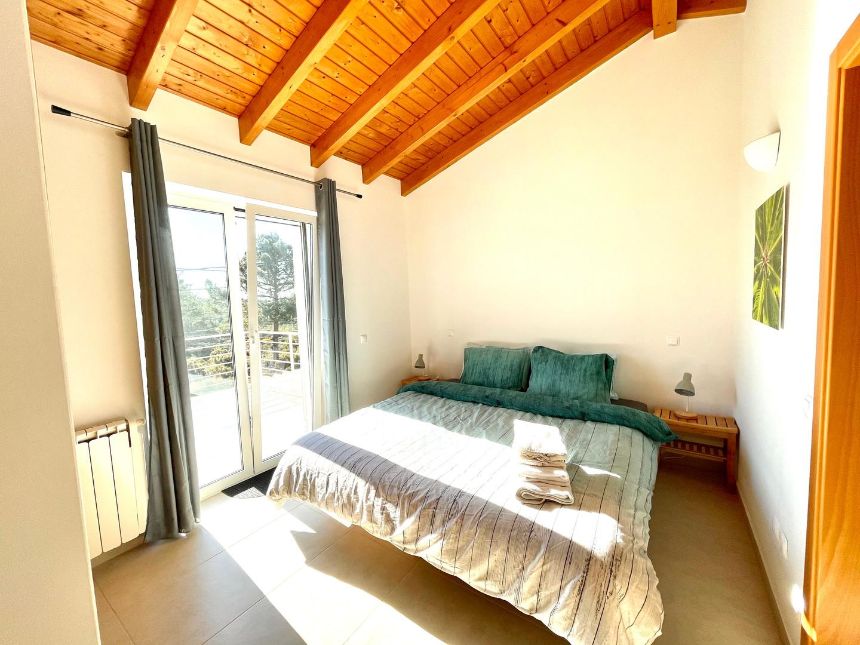 Casa da Vida II | Vacation Rental Villa | Upstairs Bedroom (two single beds)