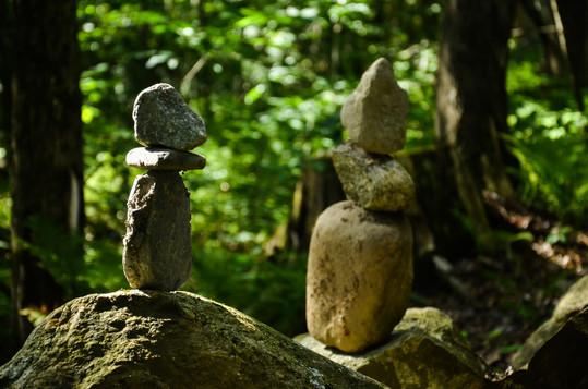 Alpagas Sutton - Trails - Balancing Rocks