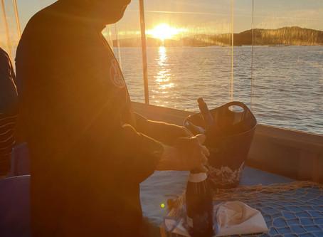 'Mar de Frades' descubre el Vigo más gastronómico en un recorrido en barco por el Atlántico