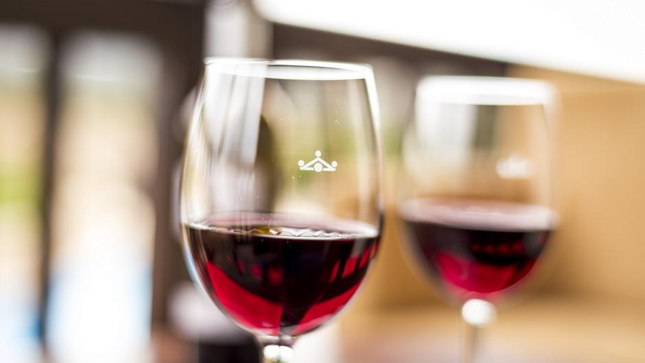 Uvas en peligro de extinción: nueva apuesta en la carta de vinos de Paradores
