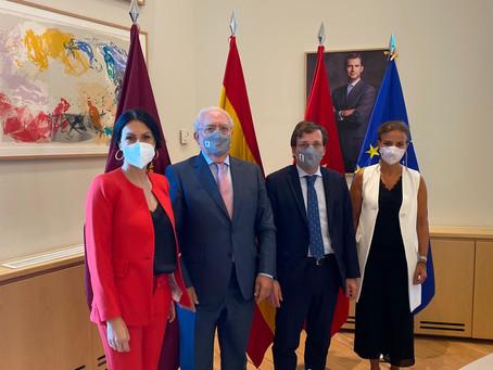 El Alcalde de Madrid recibe a los hoteleros madrileños para conocer la situación actual del sector