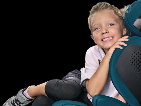 La silla de auto Recaro Mako Elite 2 con sistema de audio integrado ideal para tus viajes