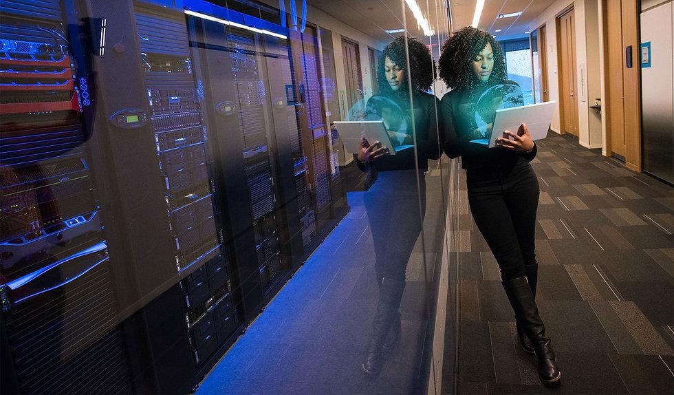 GIRL-AND-COMPUTER.jpg
