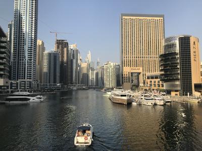 Walking around Dubai Marina