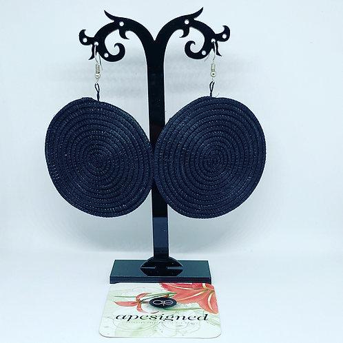 Shema earrings - black