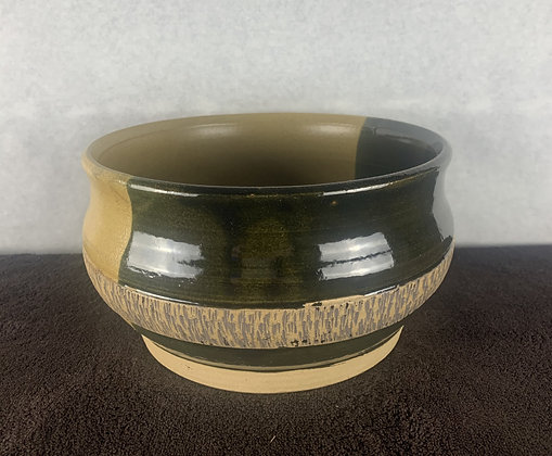 Two tone textured bowl