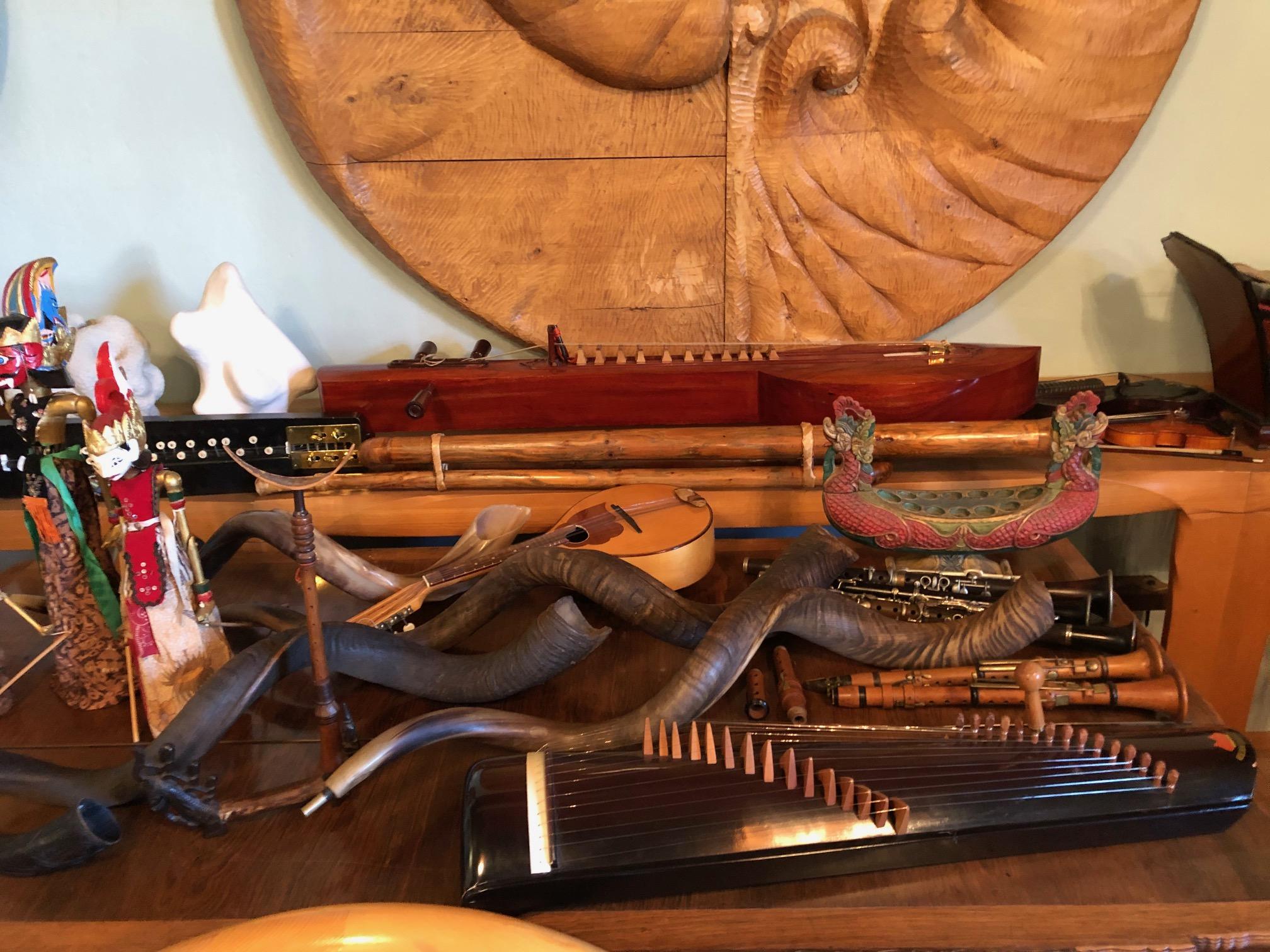 Hier nun auch einige Instrumente,...