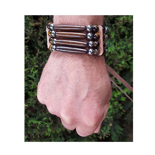 Tigers eye bracelet man