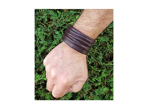 Mens sculpted wristband